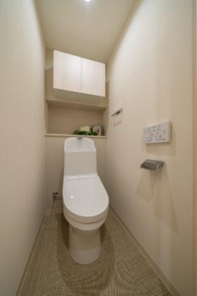 エフローレ日本橋:ウォシュレット機能付きトイレです!