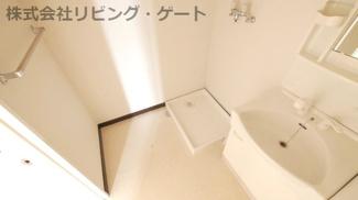 洗面所。室内洗濯機置き場。