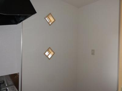 キッチン部側面壁・窓付
