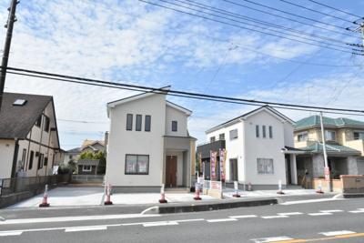 【前面道路含む現地写真】鴻巣市広田(赤城)新築戸建全2棟