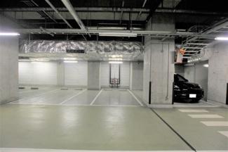 2021年7月19日撮影 出し入れしやすい駐車場です。