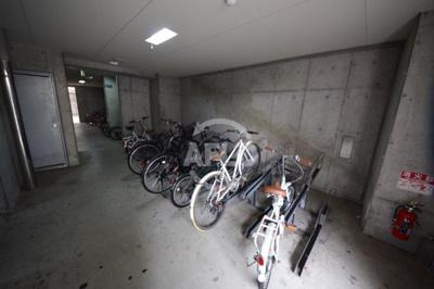 コーポYAHATAナンバ元町 駐輪場
