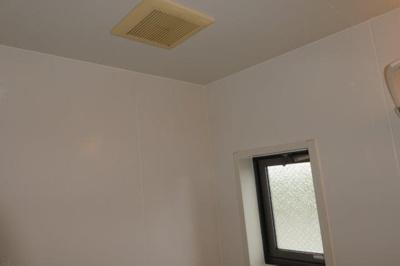 浴室換気扇・窓