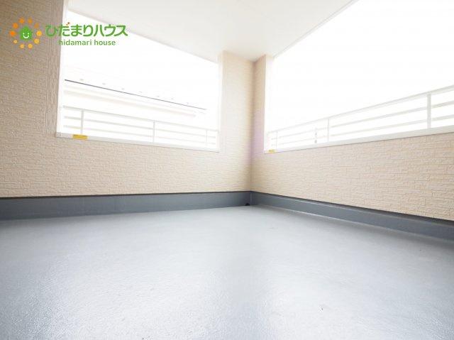 屋根付きの広々インナーバルコニーは、共働きのご家庭の強い味方!急な雨でもお洗濯物の心配がいりませんね(^^)/