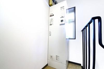 【居間・リビング】伏見区向島庚申町 居住付き事務所ビル