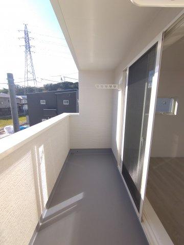 シューズボックス。大容量の靴を収納可。樹脂製の棚板は水洗い出来てお手入れカンタン。