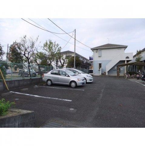 【外観】グレースコートB棟駐車場