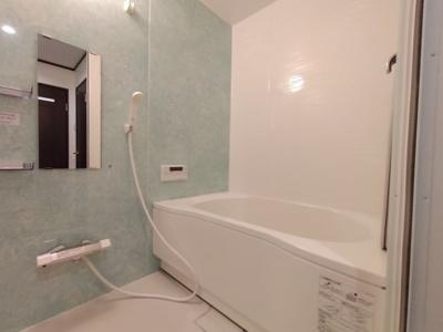 浴室もリフォーム済でカビの心配なくピカピカです。気持ち良くバスタイムを楽しむ事が出来ますね♪