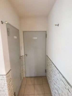 共用トイレ・集会室です。