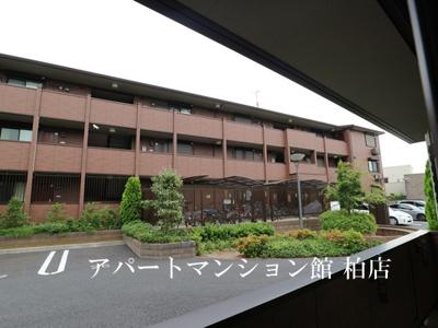 【居間・リビング】フラッツ酒井根Ⅱ