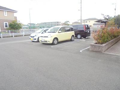 【駐車場】ラルジュ