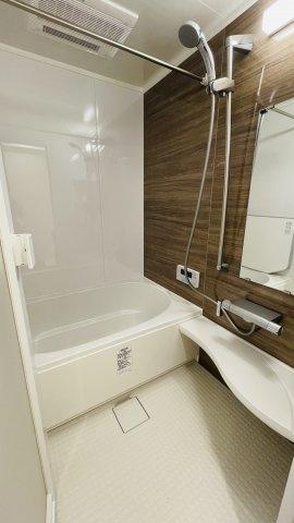 追い焚き機能が付いた経済的なユニットバス!浴室乾燥機付で雨の日でも楽々お洗濯