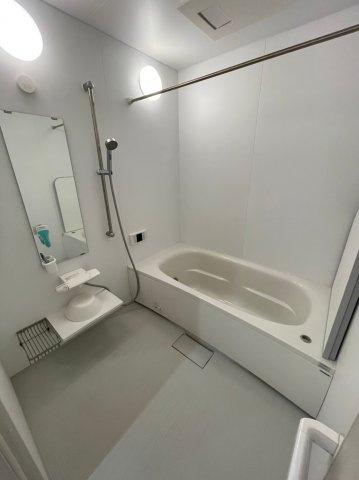 浴室暖房乾燥機付きの浴室です、冬場も暖かくお使い頂けます!