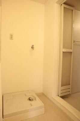 【洗面所】西丸山町3丁目堀込車庫付き戸建