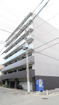 平成29年築のスタイリッシュモダンな建物です♪周辺施設も恵まれた、生活しやすい環境♪