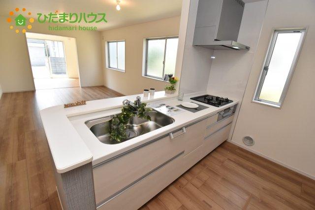 【キッチン】上尾市浅間台 新築一戸建て リーブルガーデン 01