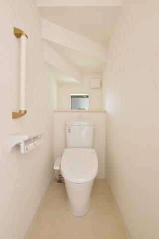 ウォシュレットトイレです。 (撮影時電気未通となっております。)