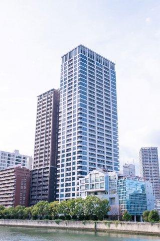 【外観】36階建て高層タワーマンション!ナカノシマブルーがコンセプトの涼やかな外観です。