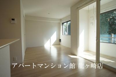 【居間・リビング】ローザ・ヴィレⅠ
