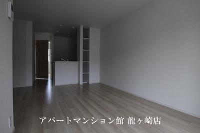 【居間・リビング】ローザ・ヴィレⅢ