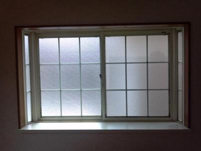 出窓があるので広々と感じます♪
