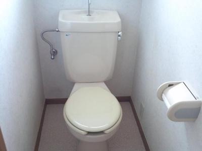 換気の出来る窓付きのトイレ♪