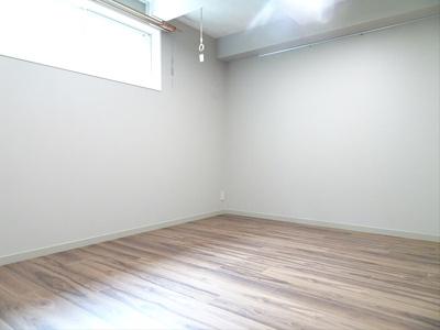 【寝室】グエルサカエ赤堤