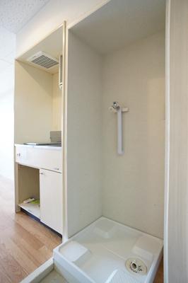 玄関には洗濯機置き場♪