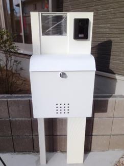 TVモニター付きインターホン、郵便受け施工例です。