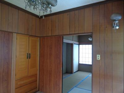 2階 洋室4.5帖+和室6帖