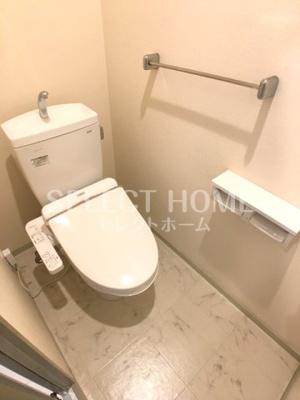 シンプルで使いやすいトイレです 同型タイプ