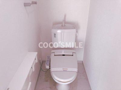 落ち着いた色調のトイレです 【COCO SMILE ココスマイル】