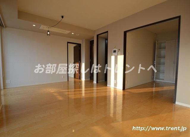 【居間・リビング】ファーストリアルタワー新宿