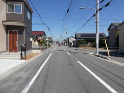 碧南市西浜町2期新築分譲住宅前面道路は東側公道約11.4m