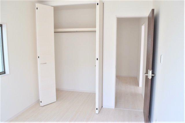 2F 2階に3部屋ある洋室は、いずれも各部屋にクローゼットが設けられており、収納が非常に充実しております ※参考:同社施工他現場写真