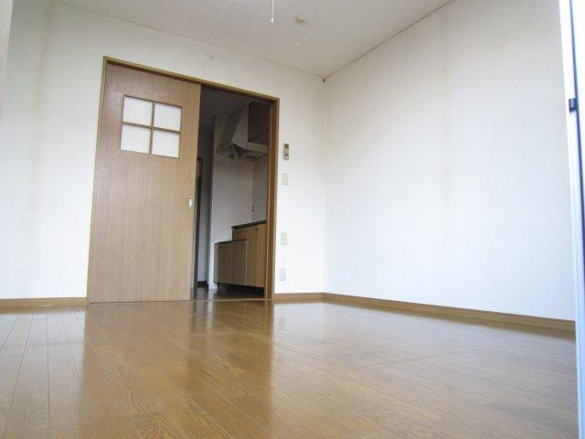 【洋室】ラーバンハイツ高田