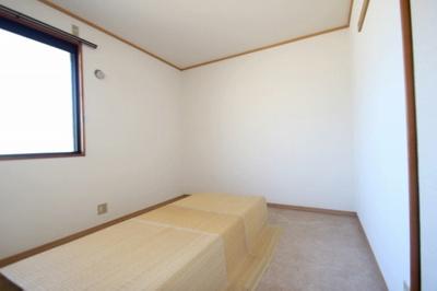 【寝室】タウンハウス小出
