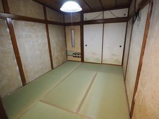 2階の和室は畳の表替え済みです♪