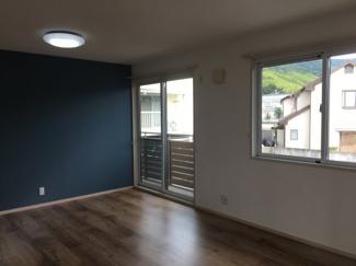 【洋室】松山市 東野 中古住宅 2世帯