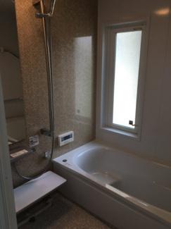【浴室】松山市 東野 中古住宅 2世帯