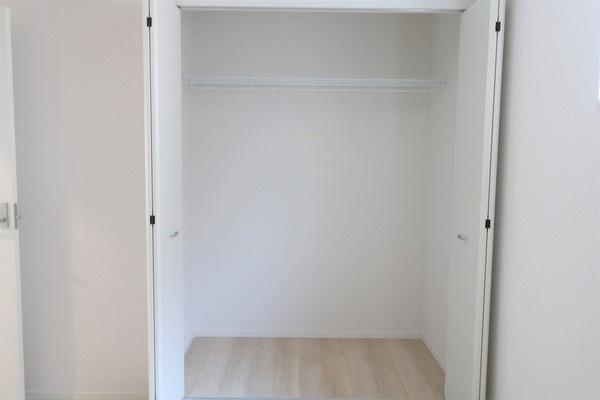 【収納】 6.1帖洋室の収納です♪