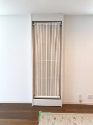 全居室に設置の「COOL暖」という装置です♪「さよならエアコン」を合言葉に無風・無塵・無音・無臭で夏には冷水、冬には温水を循環させる冷暖房システムです♪