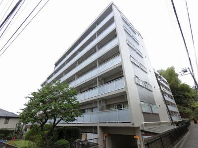 総戸数186戸、昭和40年12月築、管理人は住込み勤務につき管理体制◎