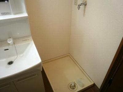 防水パン付き洗濯機置場です