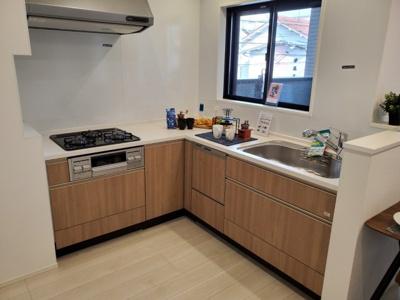 使い勝手の良いL型キッチン♪ 新築戸建の事はマックスバリュで住まい相談へお任せください。