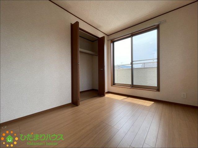 各部屋収納がございますので大きな収納家具を買い足さずに済みそうです!!
