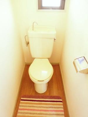 人気のバストイレ別です♪トイレが独立していると使いやすいですよね☆窓のあるトイレで換気もOK☆嫌なニオイがこもりません♪※参考写真※