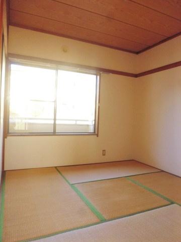 2階・角部屋二面採光4.5帖の落ち着く和室です♪赤ちゃんのごろごろやハイハイはやっぱり和室がよかったりします※参考写真※