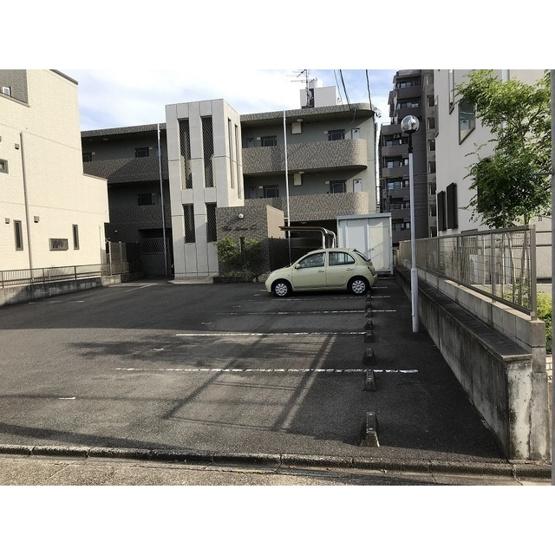 【駐車場】エルムアベニュー藤