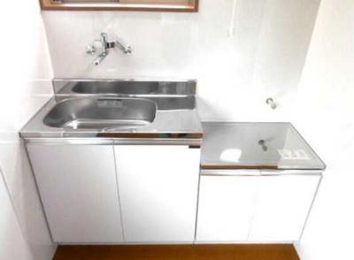 【キッチン】OKA三軒茶屋 2021年5月フルリノベーション済 独立洗面台 2人入居可
